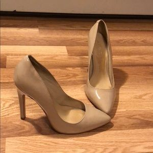 Nude patent leather pointy heels